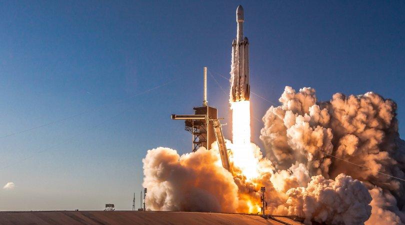 SpaceX raket mühərriklərinin yanğın sınaqlarını keçirdi