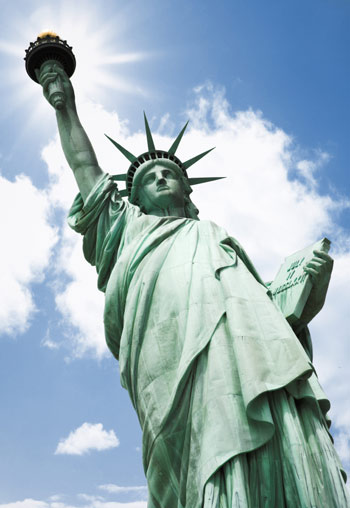 Статуя Свободы выходит из отпуска, несмотря на