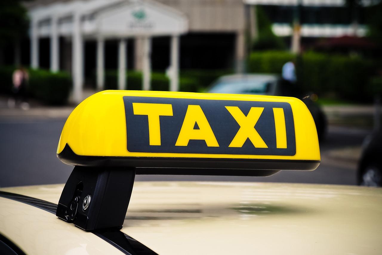 Taksi sürücüləri üçün xüsusi hazırlığın keçirilməsi Qaydasına dəyişiklik edilib