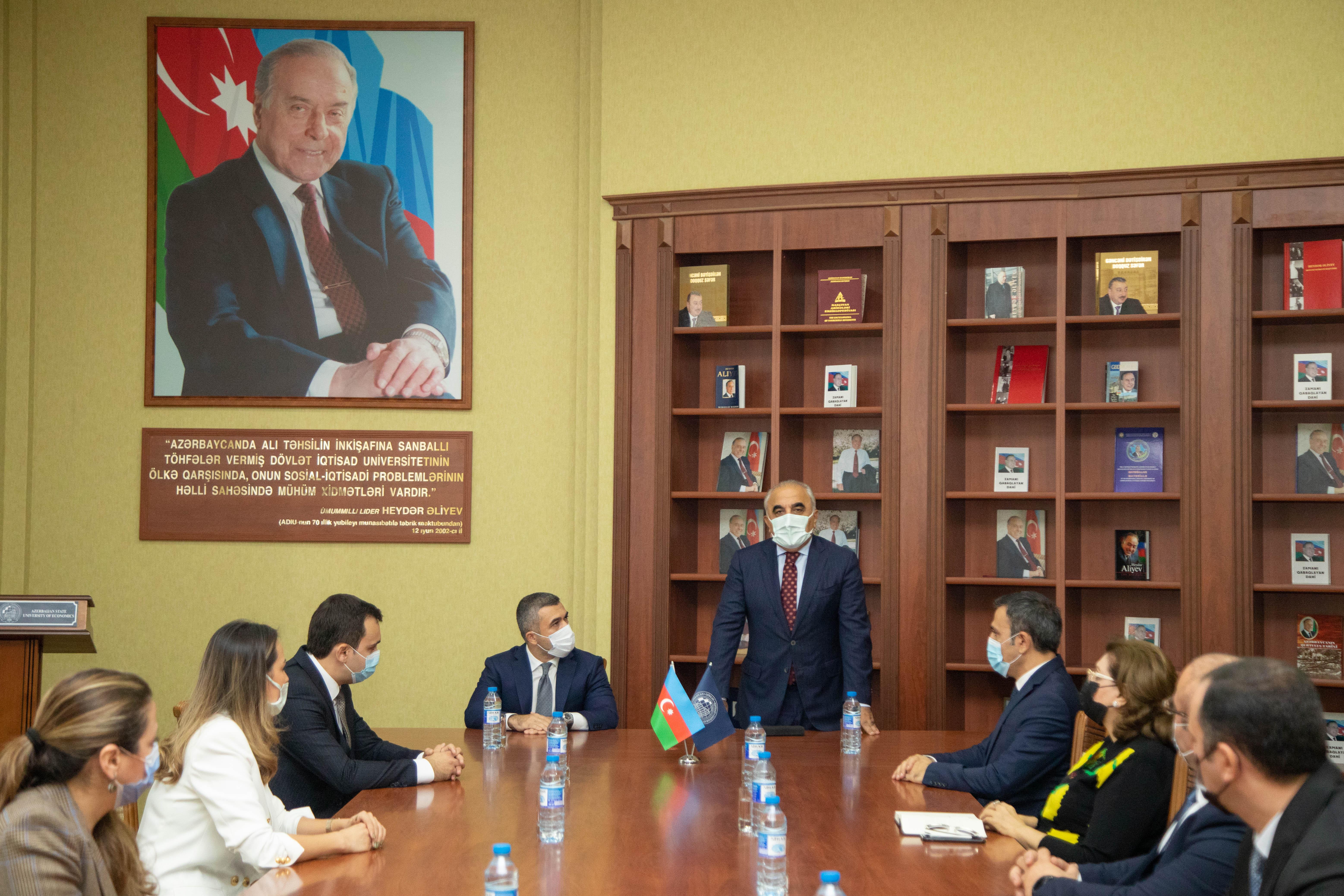 Банк Республика и Азербайджанский Государственный Экономический Университет подписали меморандум о сотрудничестве