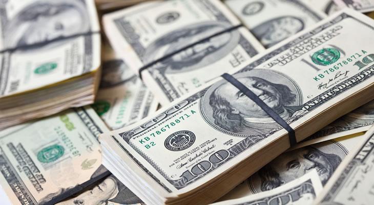 Dolların qiymətləri təzyiq altında qalmaqda davam edir