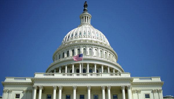 Конгресс в последний момент предотвратил дефолт США