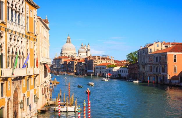 Venesiya adası satışa çıxarılacaq - FOTO